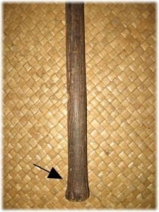 Kaumaile bottom with arrow showing where splinter removed